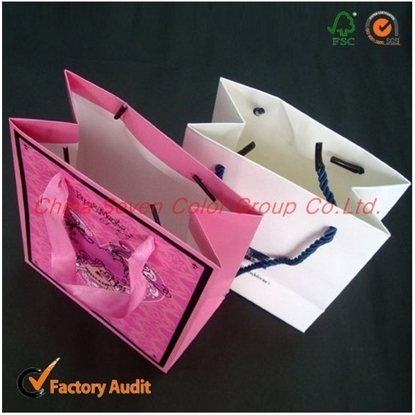 Customized Paper Shopping Bag For Packaging And Shopping